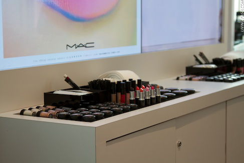 DaysofFashion205 Mac Cosmetics Counter at LFW ss13