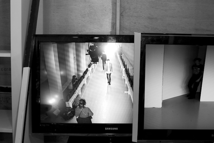 monitor showing the catwalk , image by akin abayomi