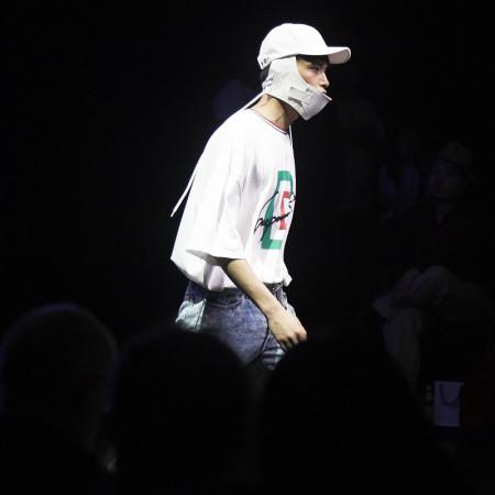 "SUPERCOMMA B Fashion Collection, Model for SUPERCOMMA B show at Seoul Fashion Week, DDP, ""HERA"" FW, asian fashion, Seoul S.Korea image credit Akin Abayomi/ Livingfash Media"