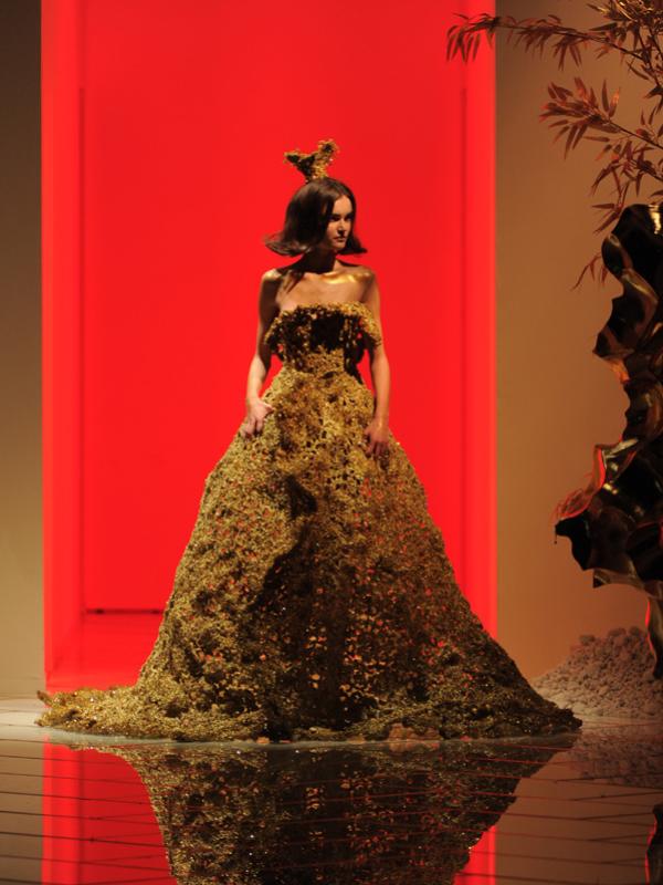 Guo Pei | Haute Couture 2016