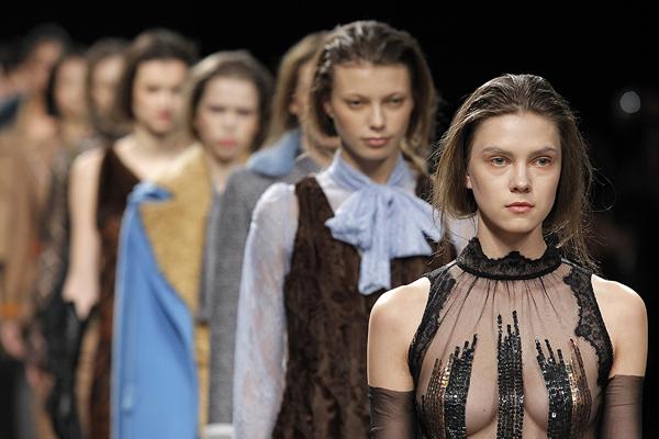 Carlos Gil, AW collection, Fall/Winter, Milan Fashion Week, Milano Moda Donna, Image credit Ugo Camera