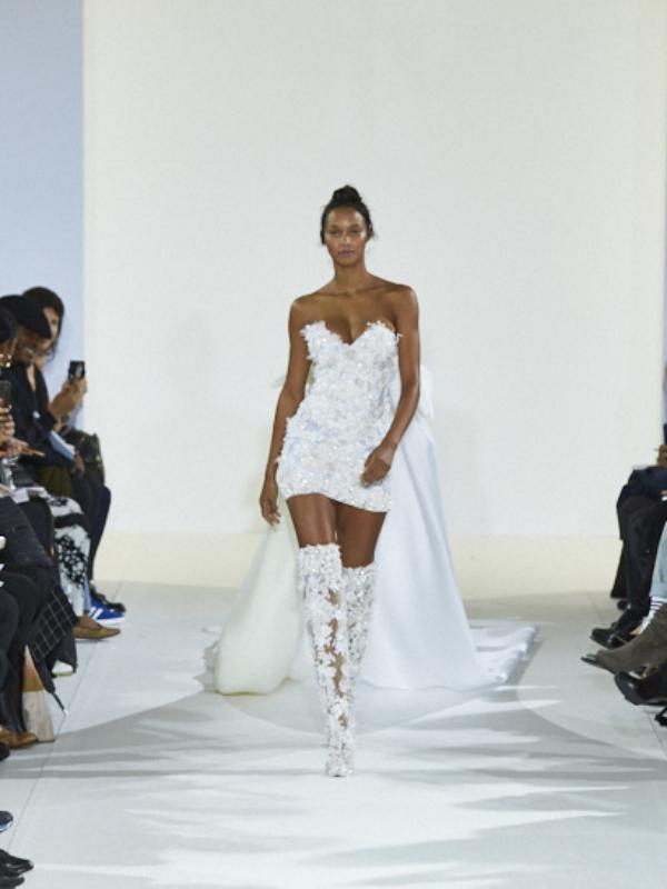 Celia Kritharioti :psyché Spring/Summer 18 Haute Couture