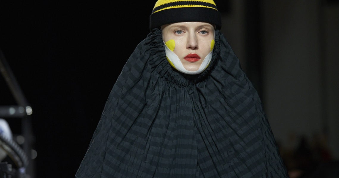"HENRIK VIBSKOV,"" Please Analyze Volumize Moisturize Me"" Fall/Winter 18/19"
